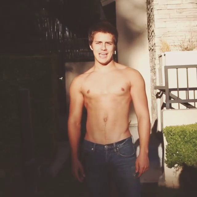 the stars come out to play billy unger new shirtless pics