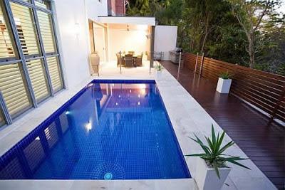 rumah minimalis dan kolam renang