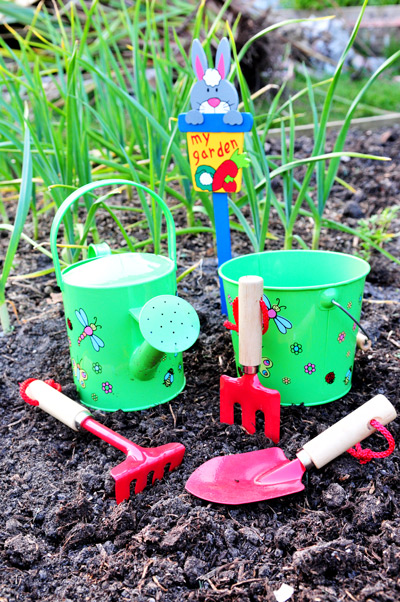 In and out of the garden childrens gardening tools fun for Gardening tips for kids