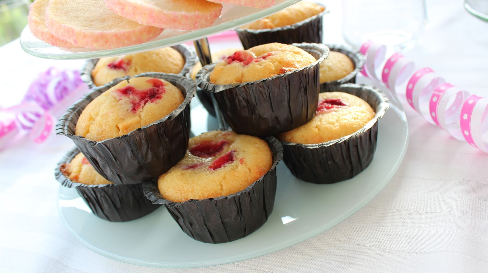 jordgubbsmuffins med vit choklad