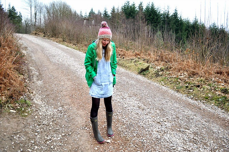 Wild & Grizzly walking in Joules Wellies