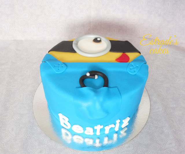 tarta minion médico 2