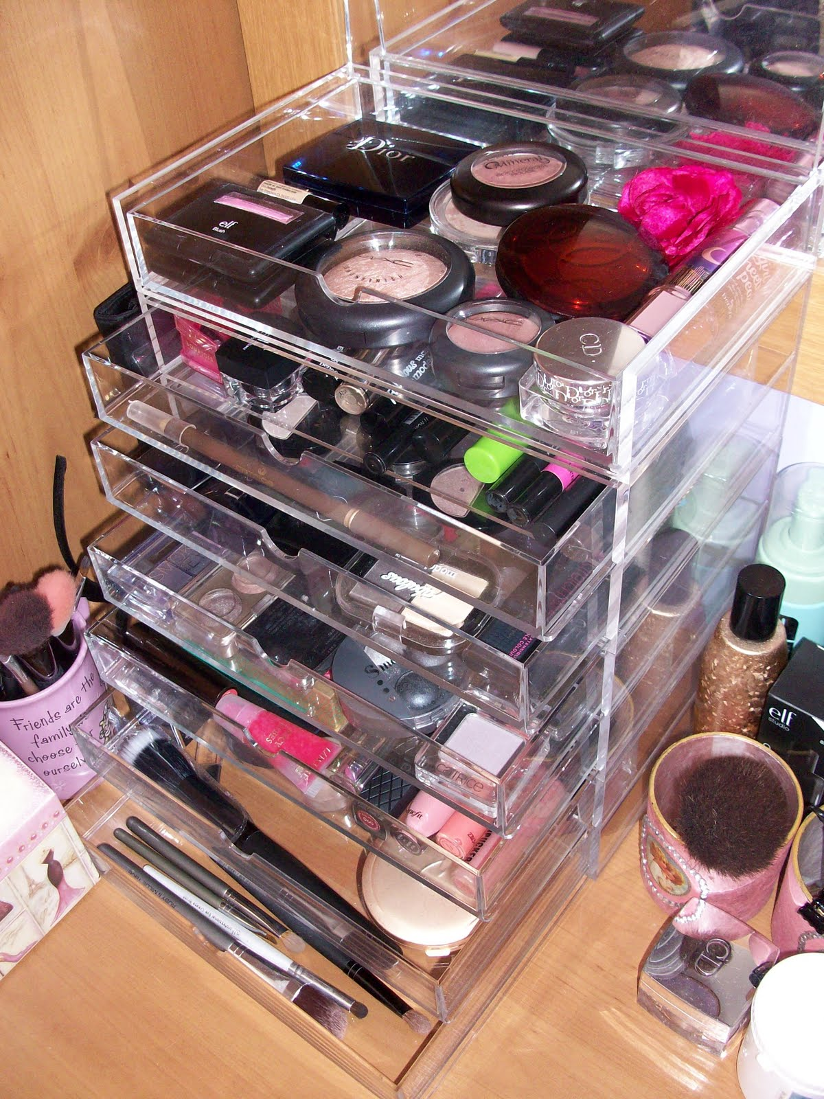 beauty,life and things i like: Make Up Storage