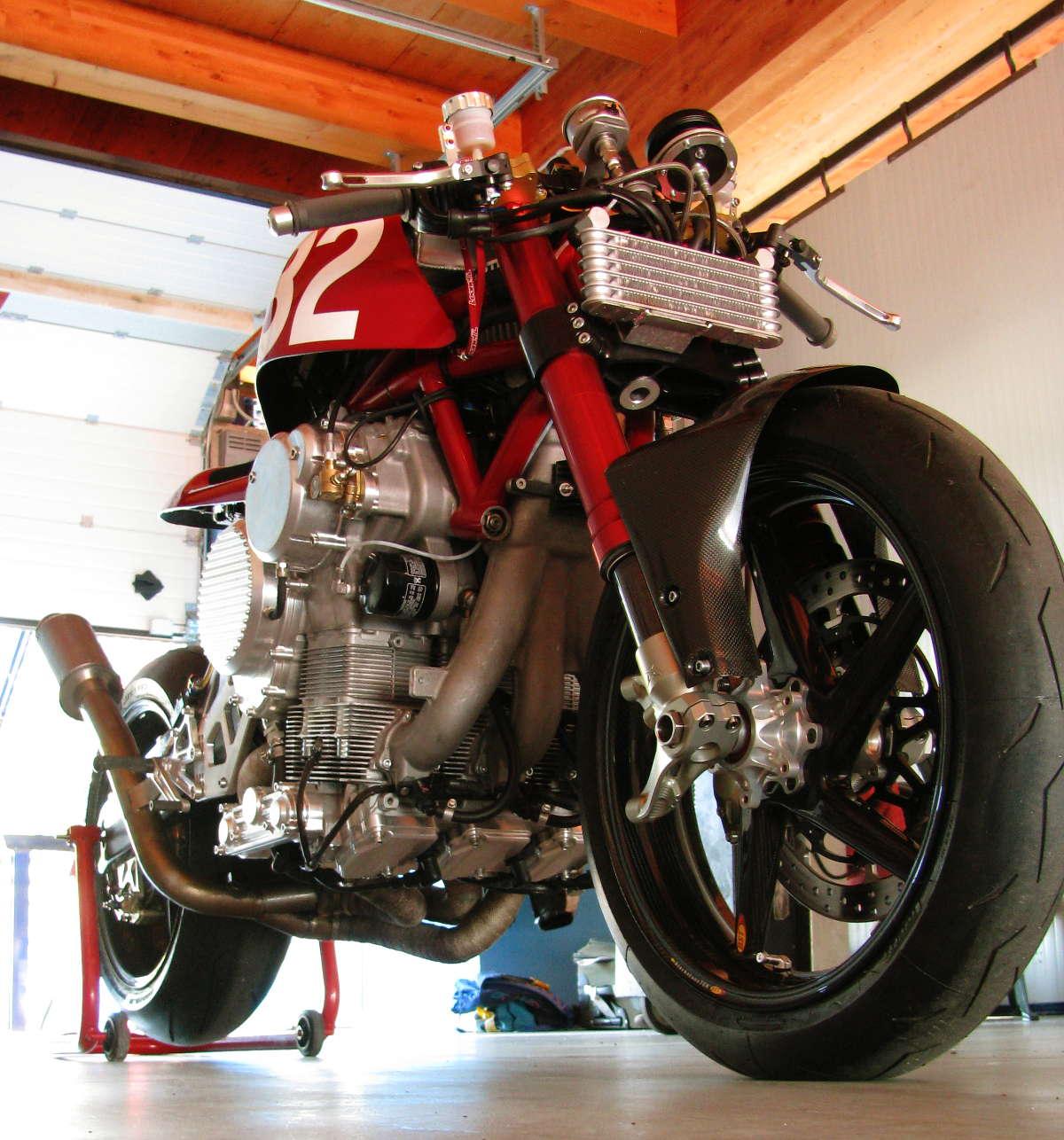 Numbo 32 : Peut être le plus gros racer ?  Nembo32-ottonero-blogspot_5647+%252816%2529