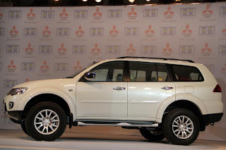 new mitsubishi pajero sport side view launching