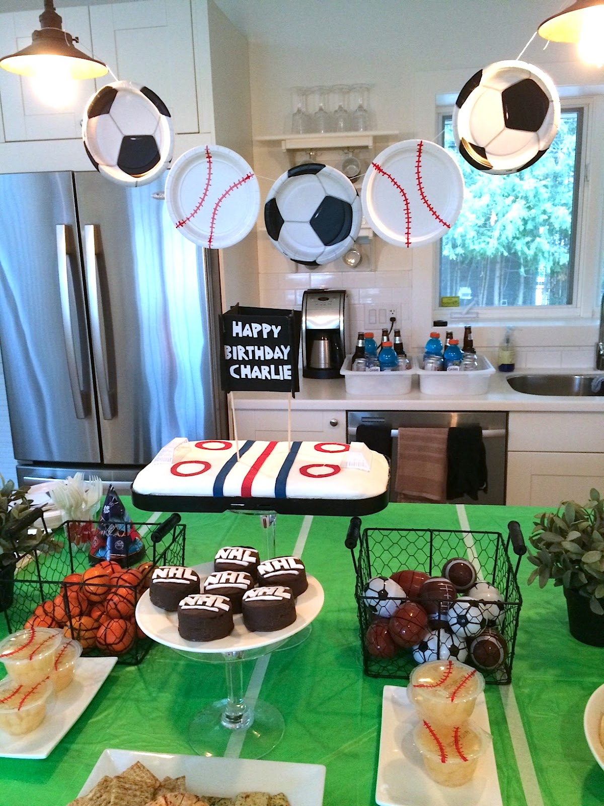 sports themed birthday party harlow thistle home design lifestyle diy. Black Bedroom Furniture Sets. Home Design Ideas