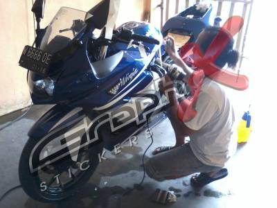 Ninja 250 Putih Cutting Sticker http://graphxcuttingsticker.blogspot.com/2012/06/cutting-sticker-ninja-1.html
