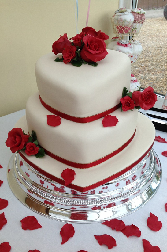 rose heart wedding cake decoration