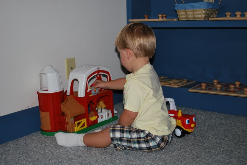 Dramatic Play Toys : Structured play dramatic farm toy