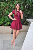 Rashi Khanna latest sizzling pics-thumbnail-16