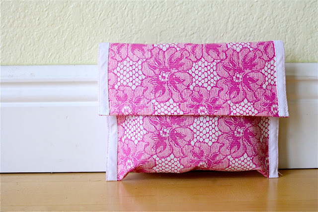 oilcloth clutch DIY