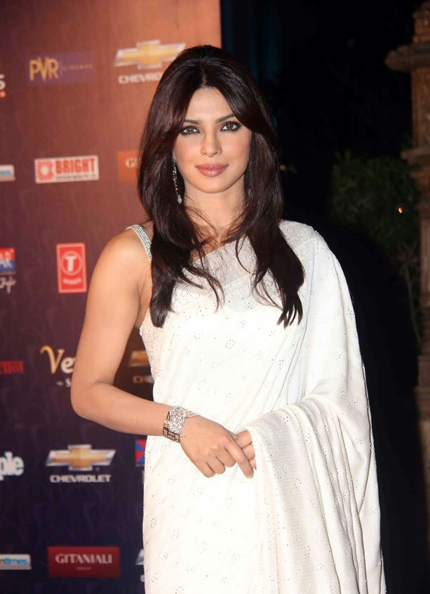 Priyanka Chopra in Pure White Saree 1 - Priyanka Chopra in Pure White Saree at Apsara Awards 2012