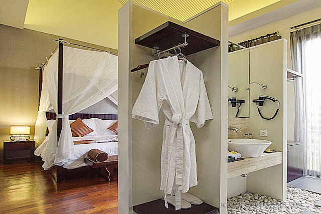 http://www.1dasia.com/tour/3D2N-Bali-Honeymoon-Package--18-Suite-Villa_1371