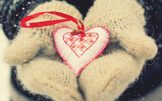 Liefde wallpaper met wit liefdes hartje van stof