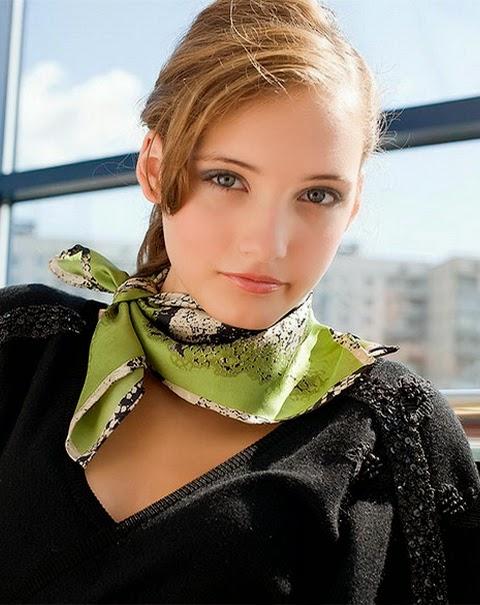 Как завязать платок на шее разными