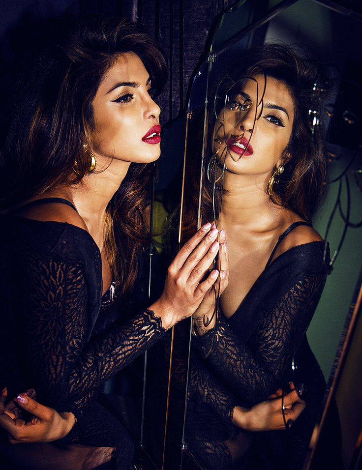 hot image of priyanka chopra