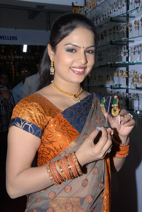 chitralekha at vastra varanam launch glamour  images