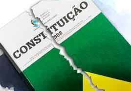 OS DIREITOS DOS TRABALHADORES ESTÃO SENDO RASGADOS  DA CONSTITUIÇÃO DO BRASIL