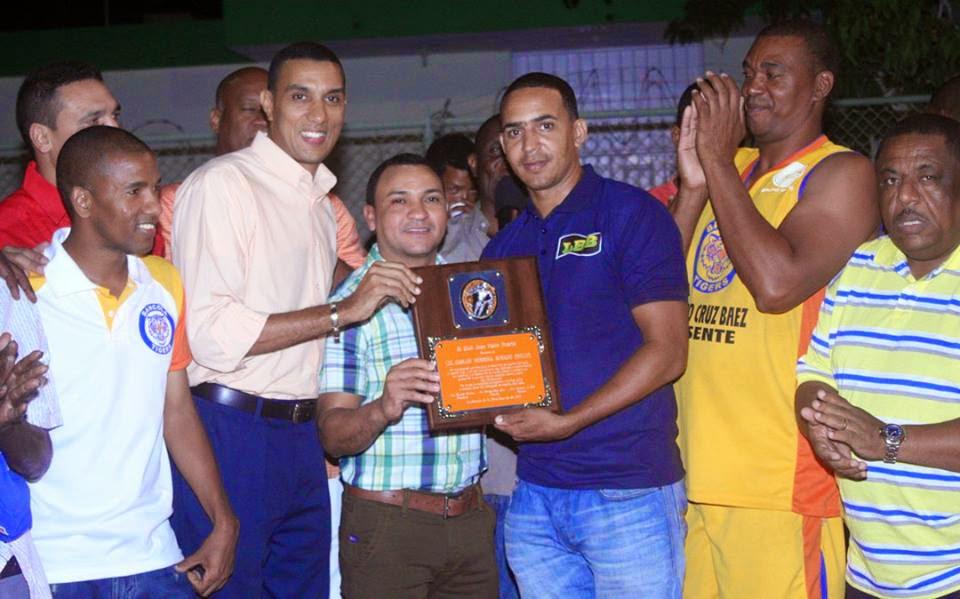 Rinden homenaje Carlos Herrera Medina (Willy)
