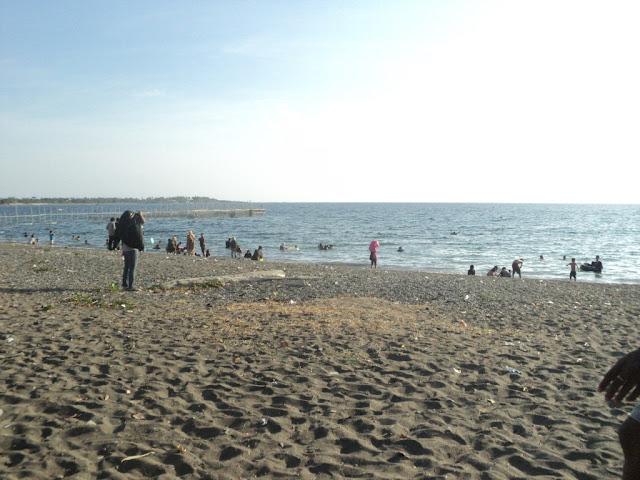 Obyek Wisata Pantai Lumpue-593z