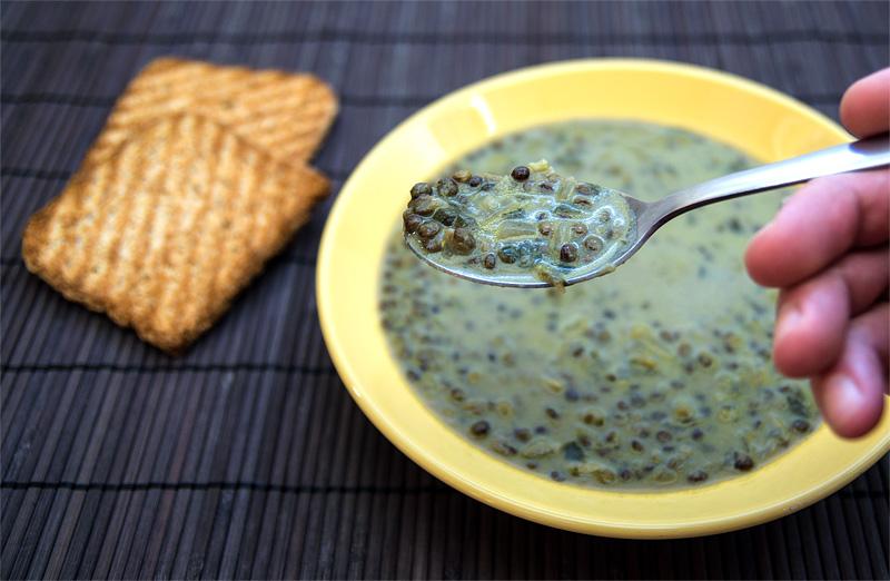 Tajska juha iz zelena leča / Thai Green lentils soup spoon