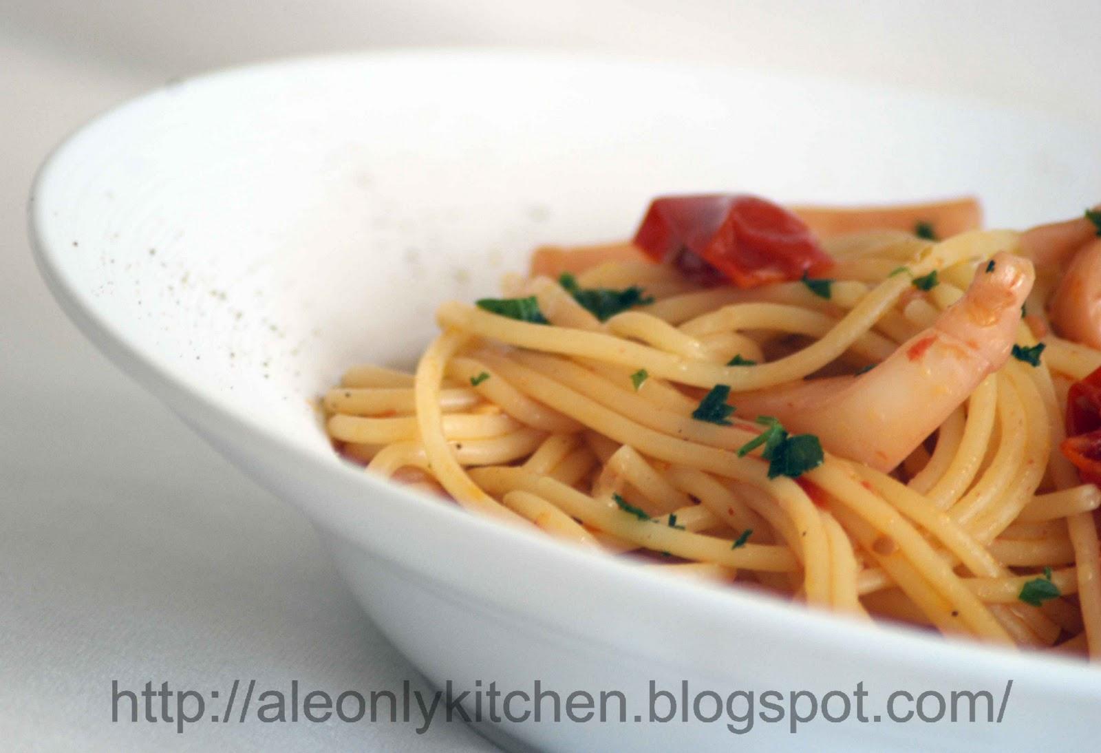 Ale only kitchen spaghetti con seppie e pomodorini for Cucinare seppie