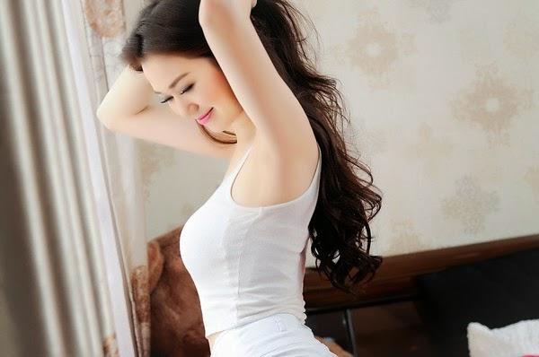 Người đẹp gợi cảm với làn da trắng xinh
