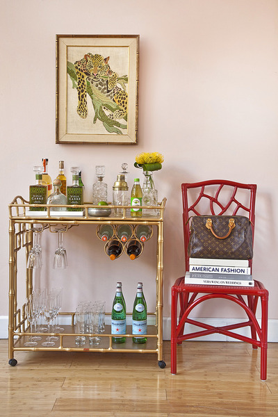 chinoiserie chic the colorful chinoiserie bar cart. Black Bedroom Furniture Sets. Home Design Ideas