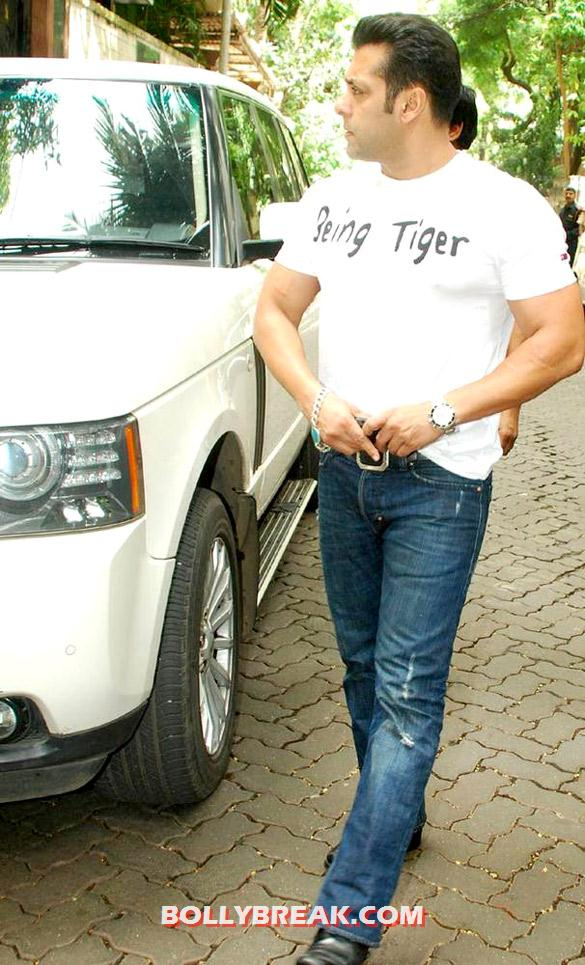 Salman Khan - (7) - Special screening of 'Ek Tha Tiger' at Yashraj Studio
