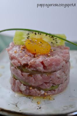 tartare di carpaccio con uovo di quaglia marinato