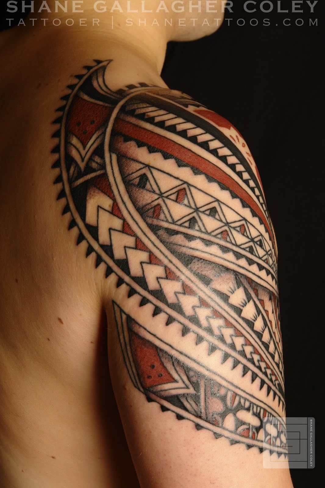For Polynesian shoulder tattoos for men have