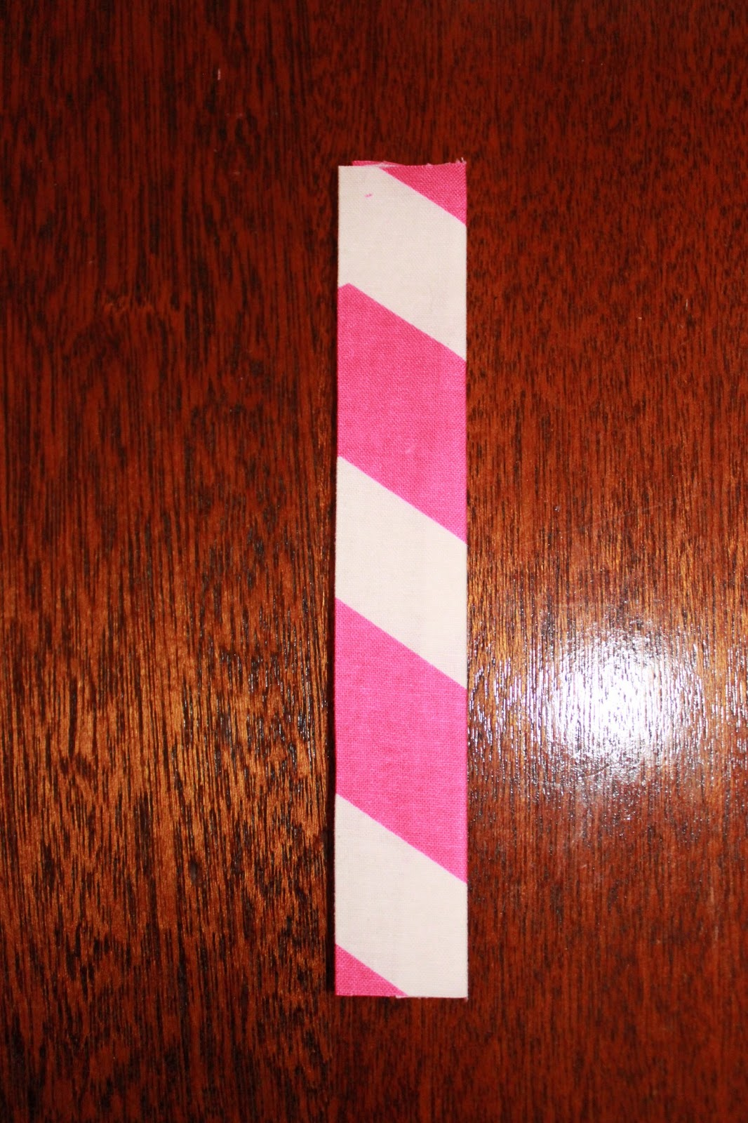 Cooper & Chloe: DIY: Pink and White Chevron Fabric Hair Bow