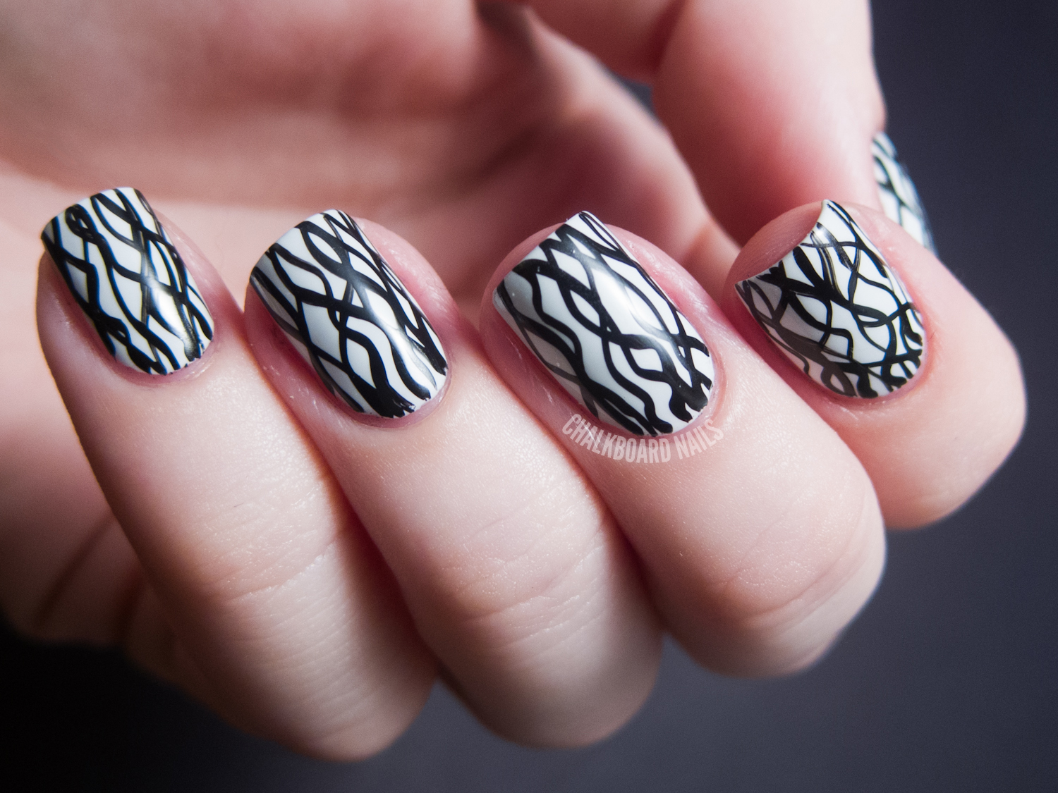 31DC2012: Day 07, Black and White Nails | Chalkboard Nails ...