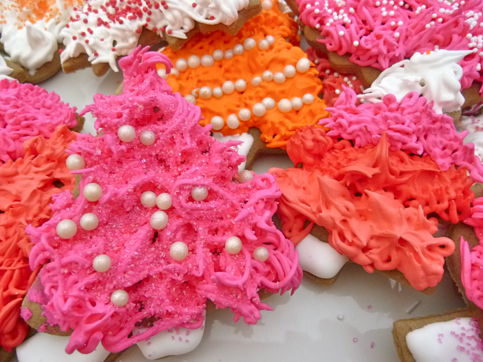 Allspice Sugar Cookie Christmas Trees & Lady Gaga Holiday Workshop ...