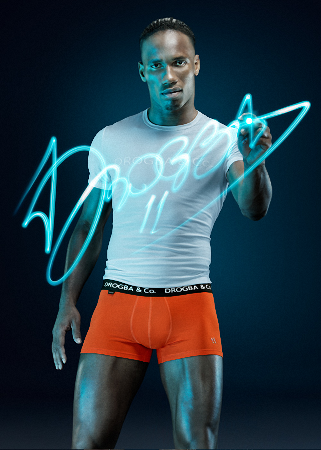 Didier Drogba posa para su propia linea de ropa interior