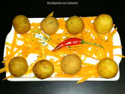 Munik Boteco Gourmet: Porção de Bolinhos de diversos sabores