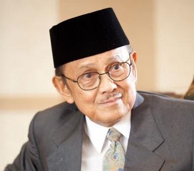 Ilmuwan terbaik Indonesia - BJ-Habibie