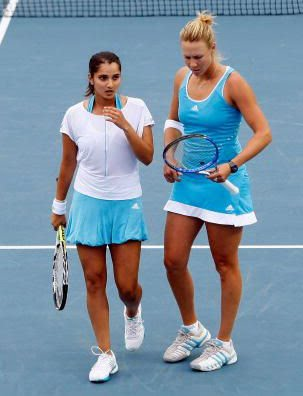 Sania and Vesnina