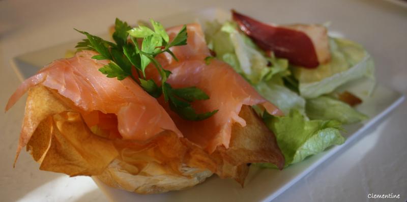 le blog de clementine salade iceberg avec tartelette croquante au saumon fum. Black Bedroom Furniture Sets. Home Design Ideas
