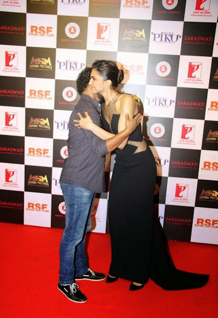 Deepika Padukone Looks Super Sexy In a Black Revealing Dress At Film 'Piku' Success Meet