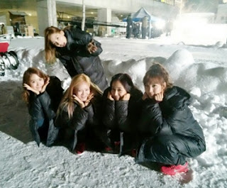 SNSD's Yuri and Seohyun greets everyone a Merry Christmas and enjoys the white Christmas in Japan with the other members
