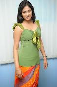 Hari Priya Glamorous Photo shoot gallery-thumbnail-18