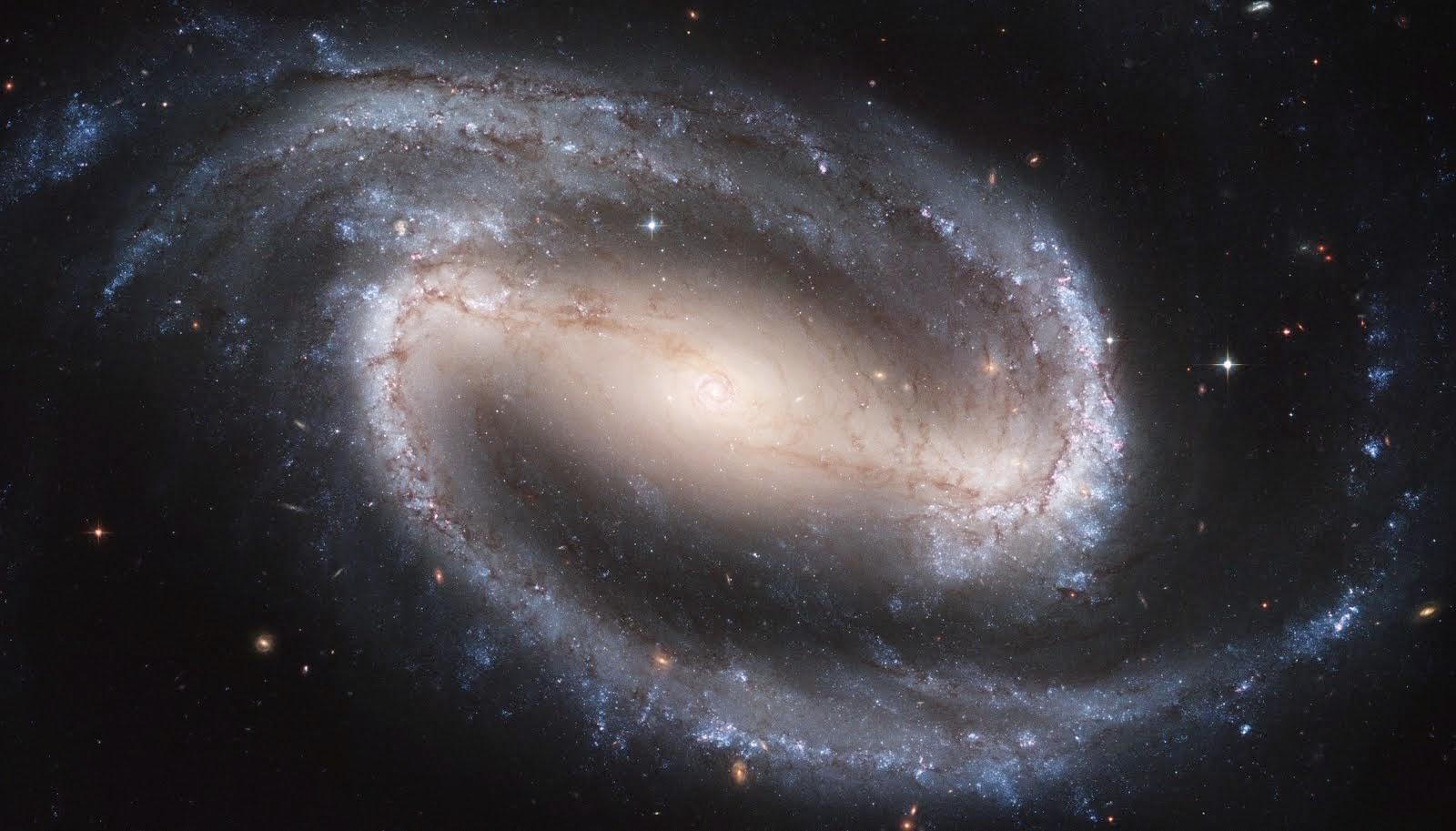 GALAXIA NGC1300