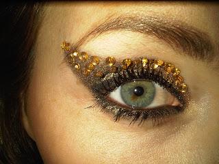gold eye bling