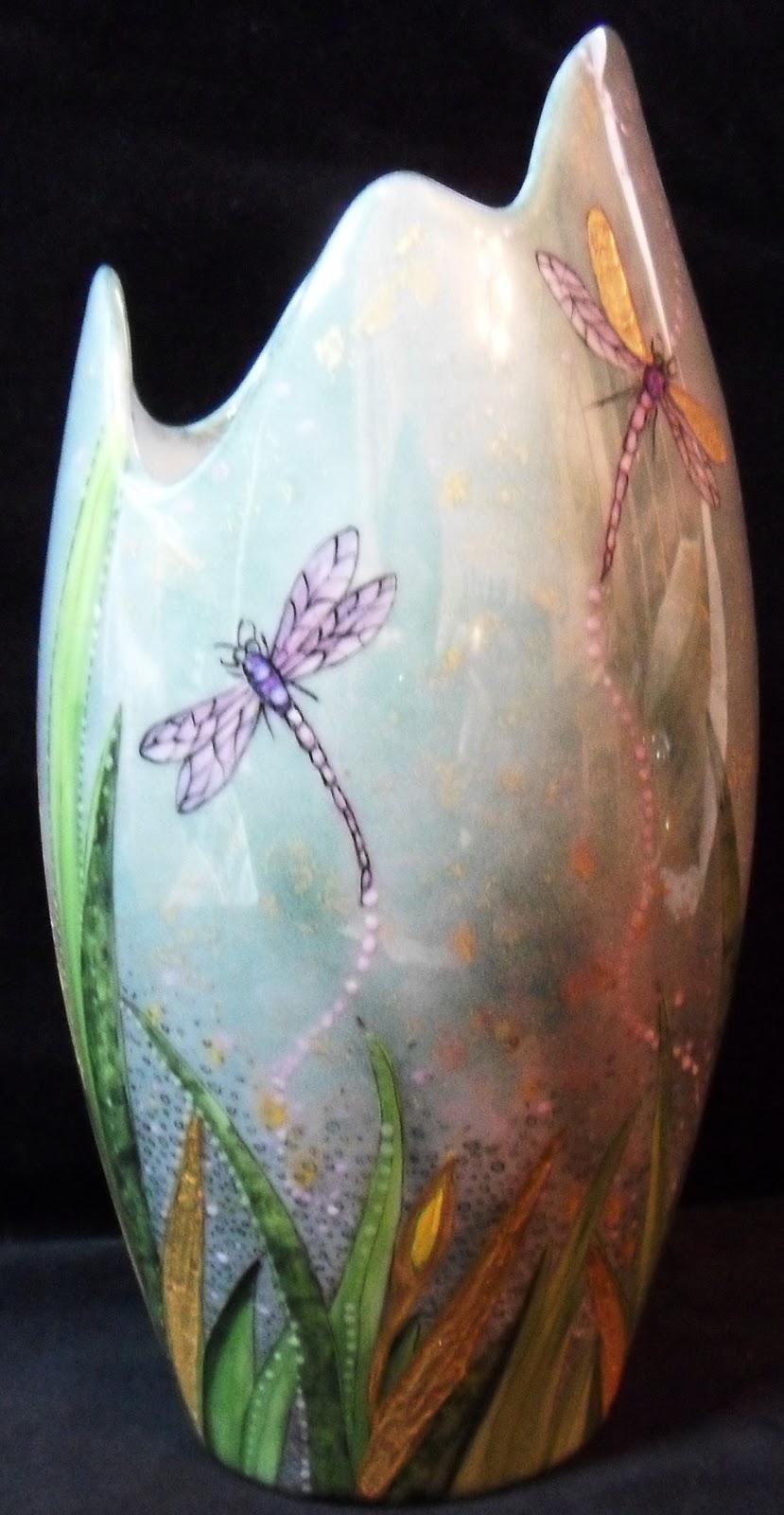 Objet Moderne : Peinture sur porcelaine vase