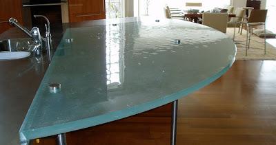 Cocina y muebles c mo dise ar cocinas modernas cocina y muebles - Encimeras de cocina de cristal ...