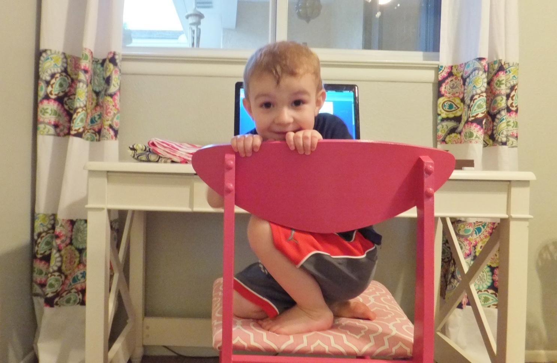 http://3.bp.blogspot.com/-CNL0pcGdjYc/T_uvEfAUD5I/AAAAAAAACiU/QT57IquhtHM/s1600/pink+chair+034.JPG