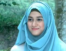 jilbab Nina Zatulini