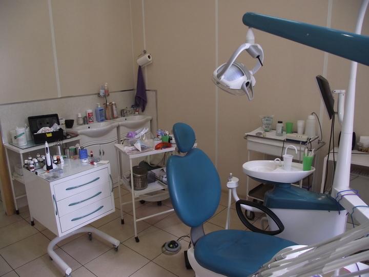 Отбеливание зубов Air Flow + ультразвук