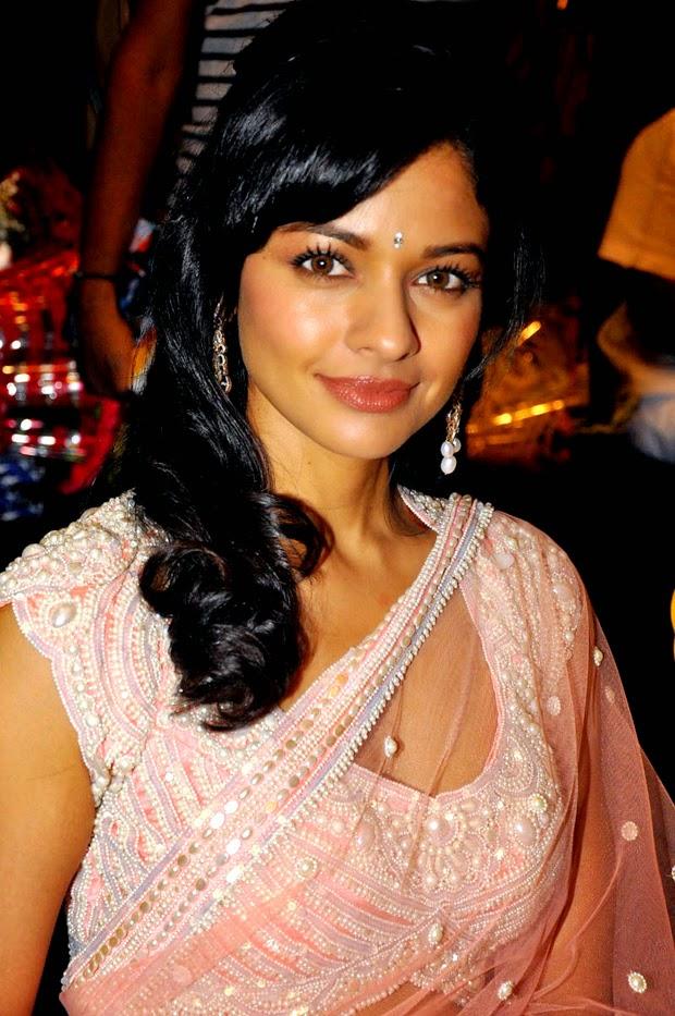 Hot Pooja Kumar